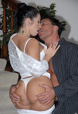Big Ass Kissing Porn Pictures