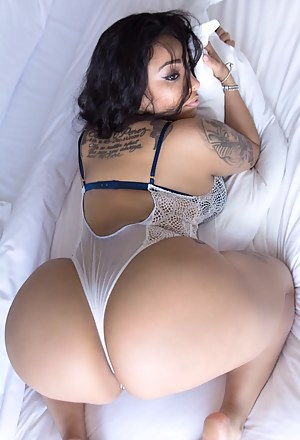 Big ass picture gallaries nude